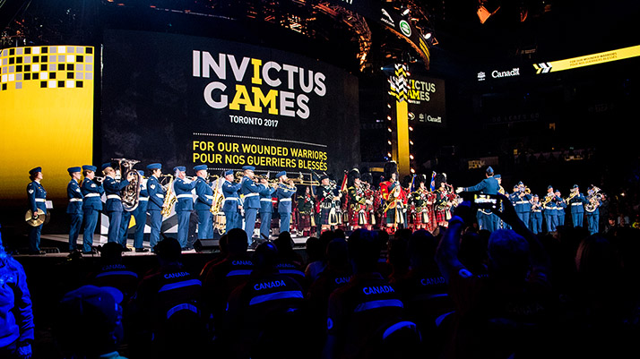 The Central Band of the Canadian Armed Forces and the 48th Highlanders Pipes and Drums deliver an emotional performance at Invictus Games closing ceremony. Photo: Master Corporal Precious Carandang, 4th Canadian Division Public Affairs