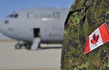 Yavoriv, Ukraine. 25 August 2015 – Canadian Armed Forces personnel step off a Boeing CC-177 Globemaster at the Danylo Halytskyi International Airport in L'viv, Ukraine, on August 25, 2015 marking the beginning of Operation UNIFIER, Canada's military training mission in support of the Ukrainian Armed Forces. (Photo: OP UNIFIER - DND, Joint Task Force Ukraine)